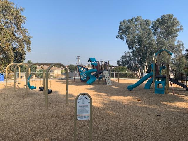 Sur La Brea Playground